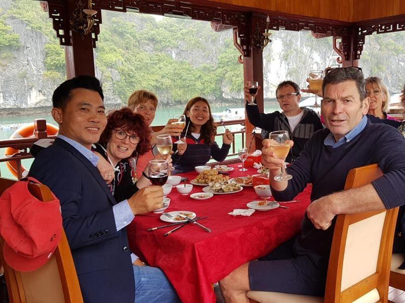 Le déjeuner à bord