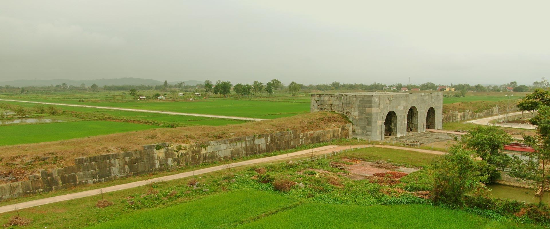 Citadelle de la dynastie Hô à Thanh Hoa