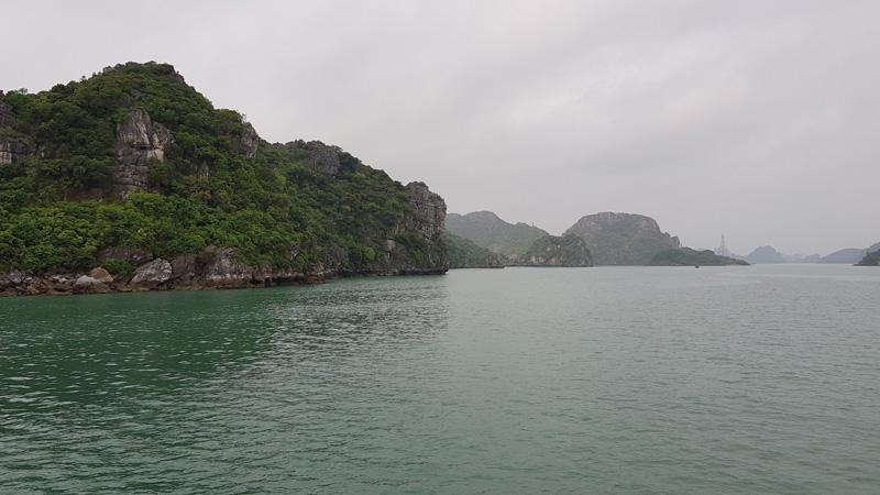 La baie de Quan Lan