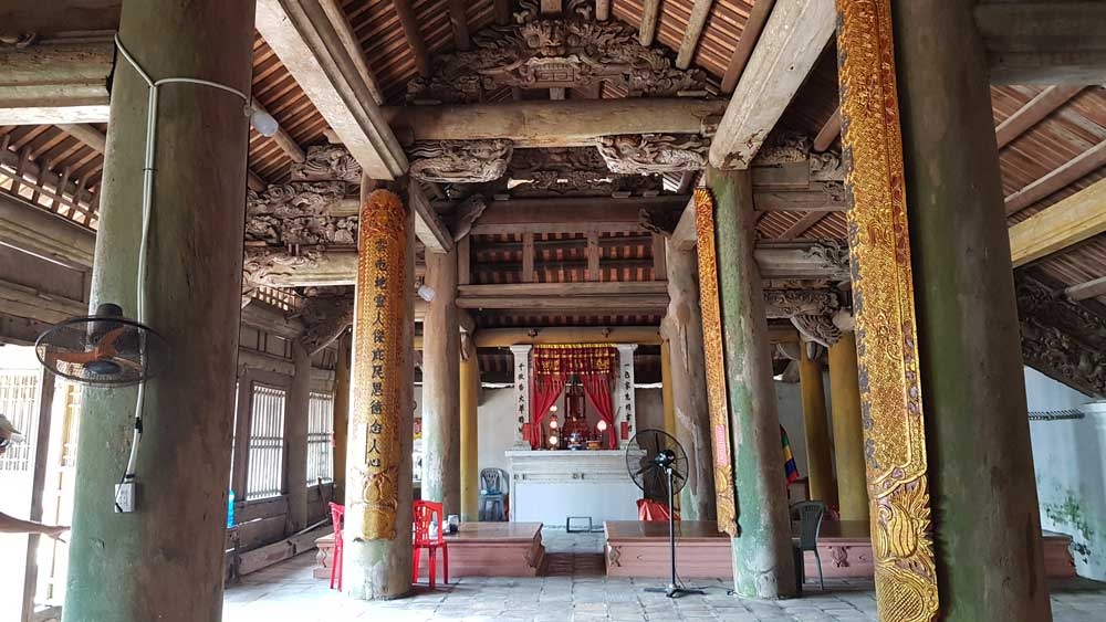 Temple Quan Lan
